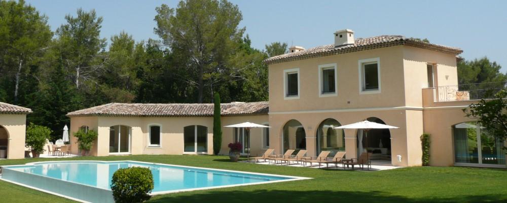 Luxusní domy ve Francii